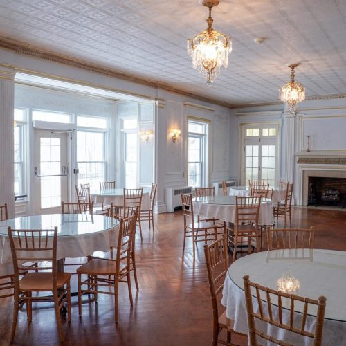 diningroomRight.jpg